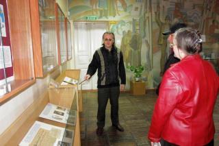 В Артемовском музее открылась выставка к годовщине освобождения Украины