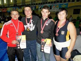 Артемовские  сумоисты стали призерами кубка страны